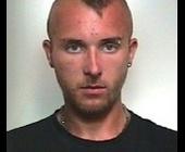 Durante un controllo del territorio, nella frazione rivierasca di Scoglitti, i carabinieri hanno colto in flagranza e arrestato: Botogan Gabriel Mihai, ... - 23595935
